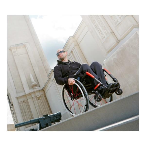 fauteuil roulant rigide ultra l ger apex motion composites la maison andr viger. Black Bedroom Furniture Sets. Home Design Ideas