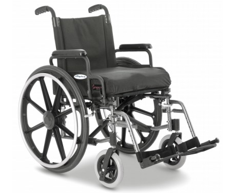 Light rolling wheelchair