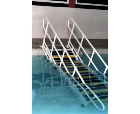 Rampe d'acces pour la piscine